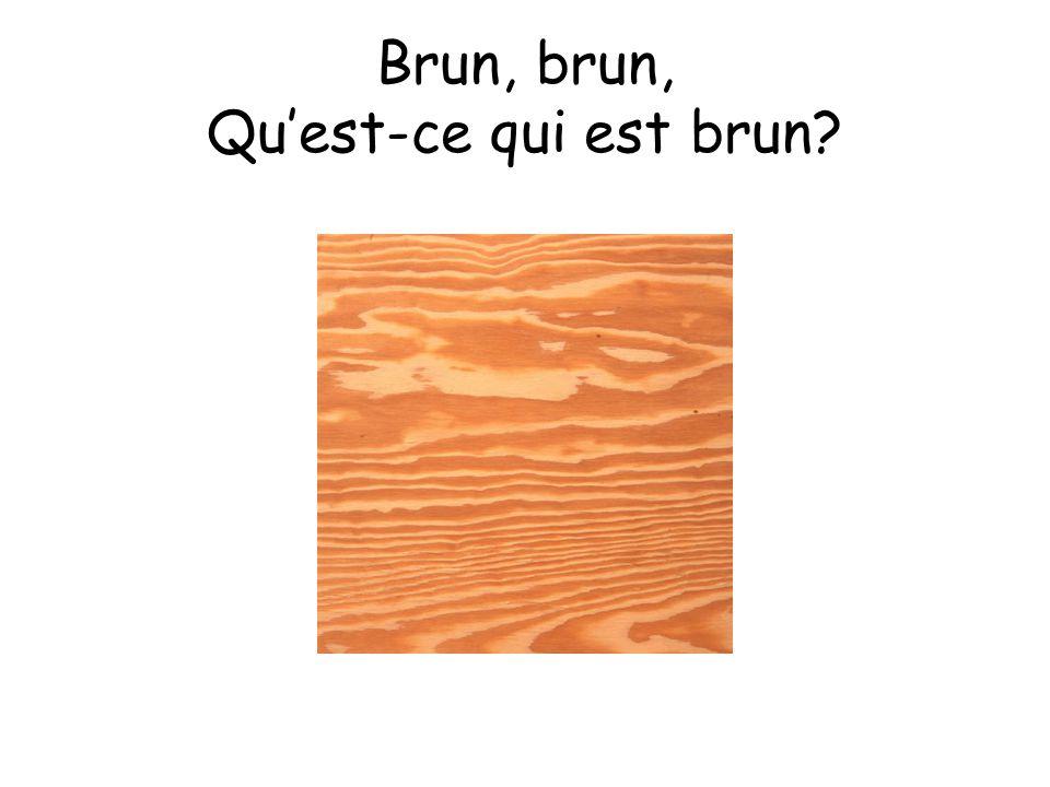 Une feuille est brune.
