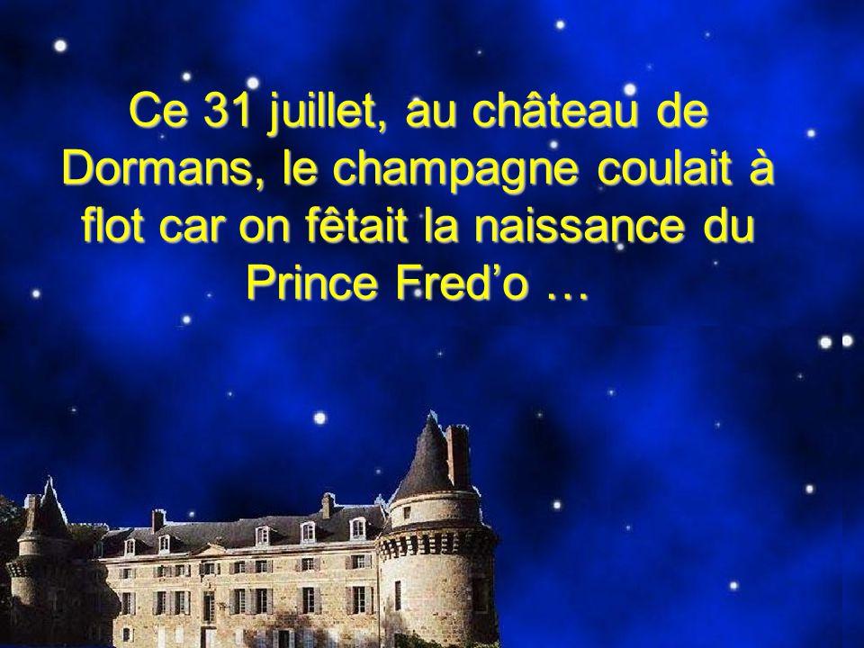 Mais la sorcière Sénide avait lu dans sa boule de cristal quun jour le Prince Fredo serait cantonnier au Pays des Fadas.