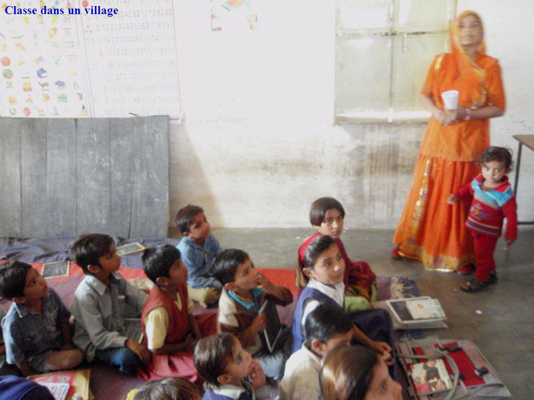 Classe dans un village