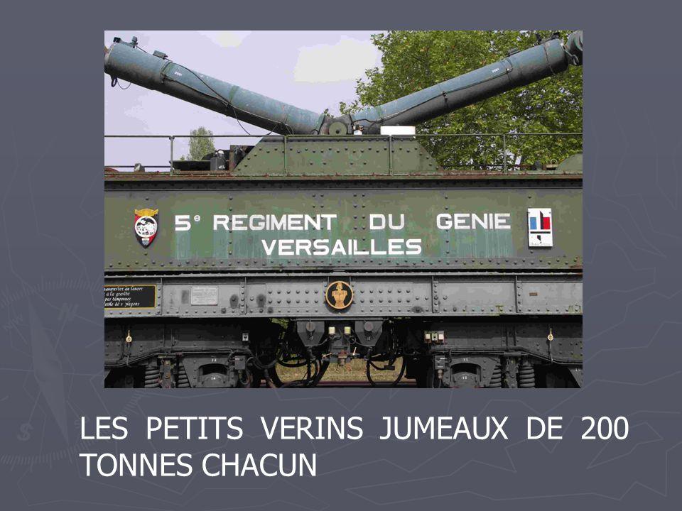 LES PETITS VERINS JUMEAUX DE 200 TONNES CHACUN