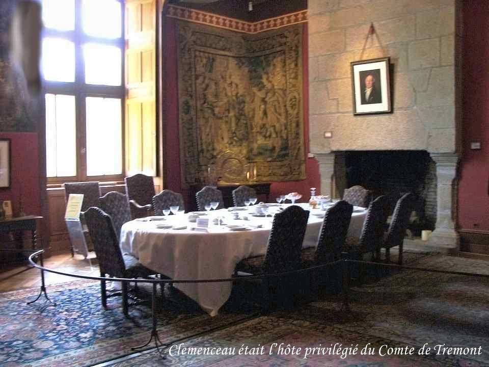 Le Comte Amédée Luce de Trémont reçoit régulièrement Clemenceau, son illustre locataire de la « Bicoque », dans son château de La Grignardière à Avril