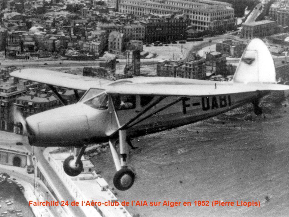 Fairchild 24 de lAéro-club de lAIA sur Alger en 1952 (Pierre Llopis)