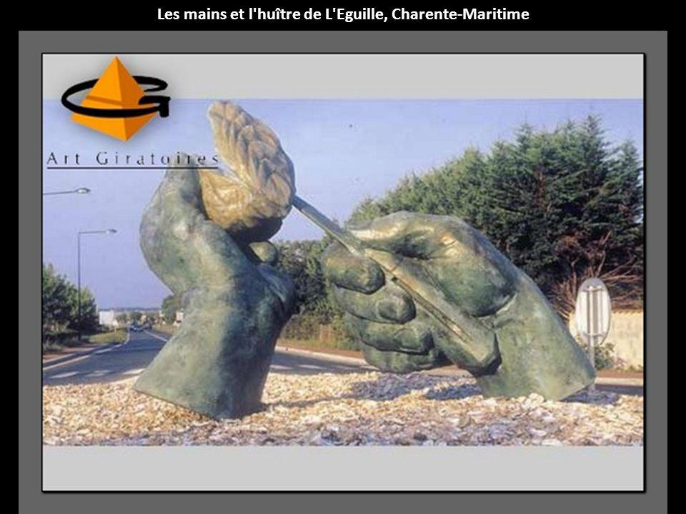 Les mains et l huître de L Eguille, Charente-Maritime