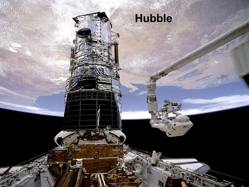 Le télescope spatial James Webb (JWST) est un imposant observatoire spatial qui sera lancé en 2013 afin de succéder au très fructueux télescope spatial Hubble Contrairement à Hubble, qui effectue des observations dans la lumière visible et le spectre ultraviolet, le JWST exploitera les longueurs d ondes infrarouges.