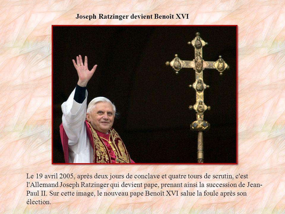 Aux funérailles de Jean-Paul II Le très populaire pape Jean-Paul II s est éteint le 2 avril 2005, à l âge de 85 ans.