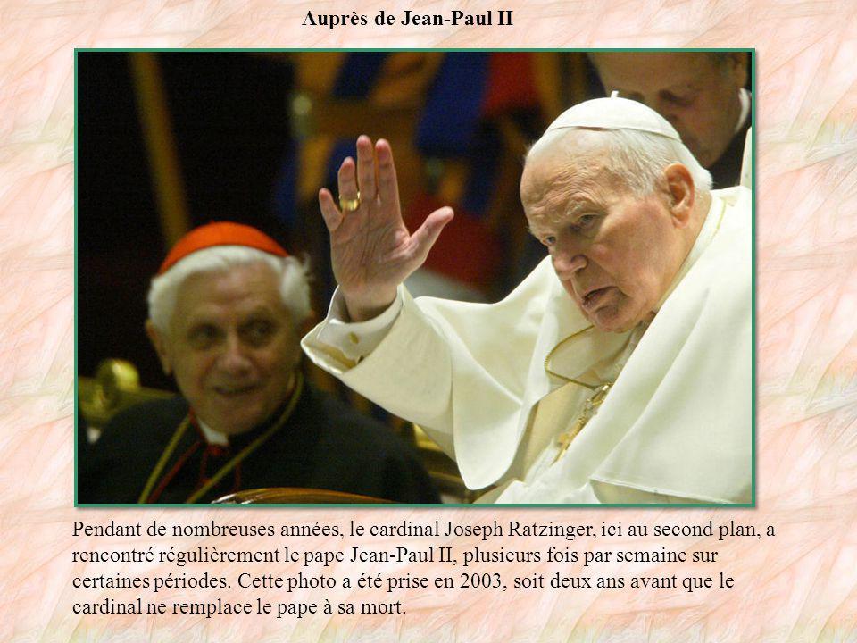 Le cardinal Ratzinger en 1984 Cette photographie présente le cardinal Joseph Ratzinger, en 1984.