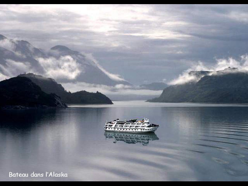 Bateau dans lAlaska
