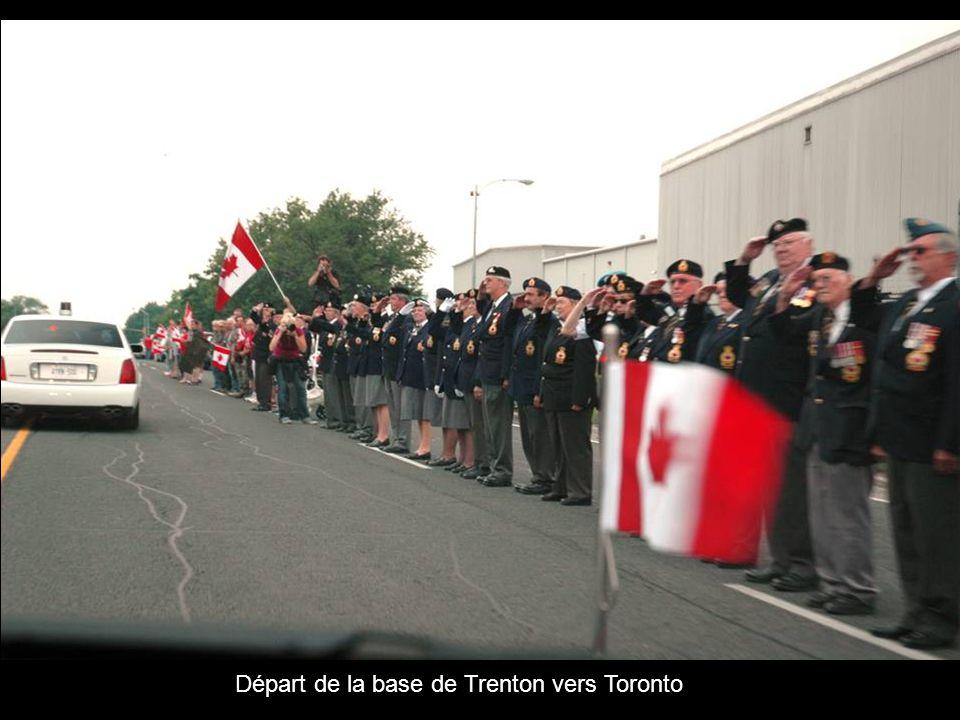 Départ de la base de Trenton vers Toronto