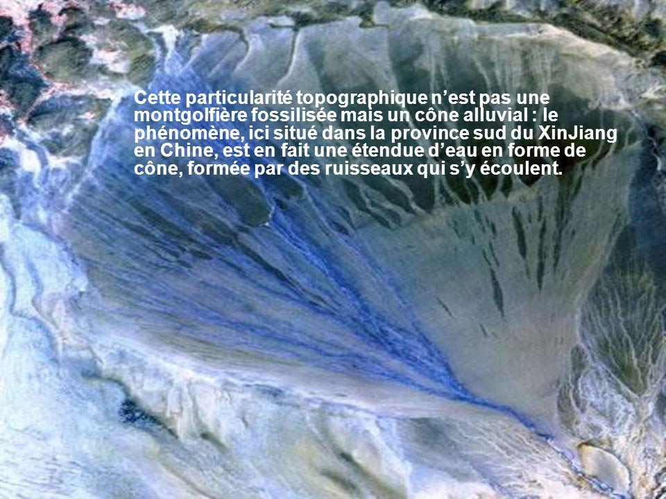 Il y a plus de 9000 ans, une gigantesque éruption générait un énorme cratère sur lîle dOnekotan, située au large de la péninsule du Kamtchatka (Russie