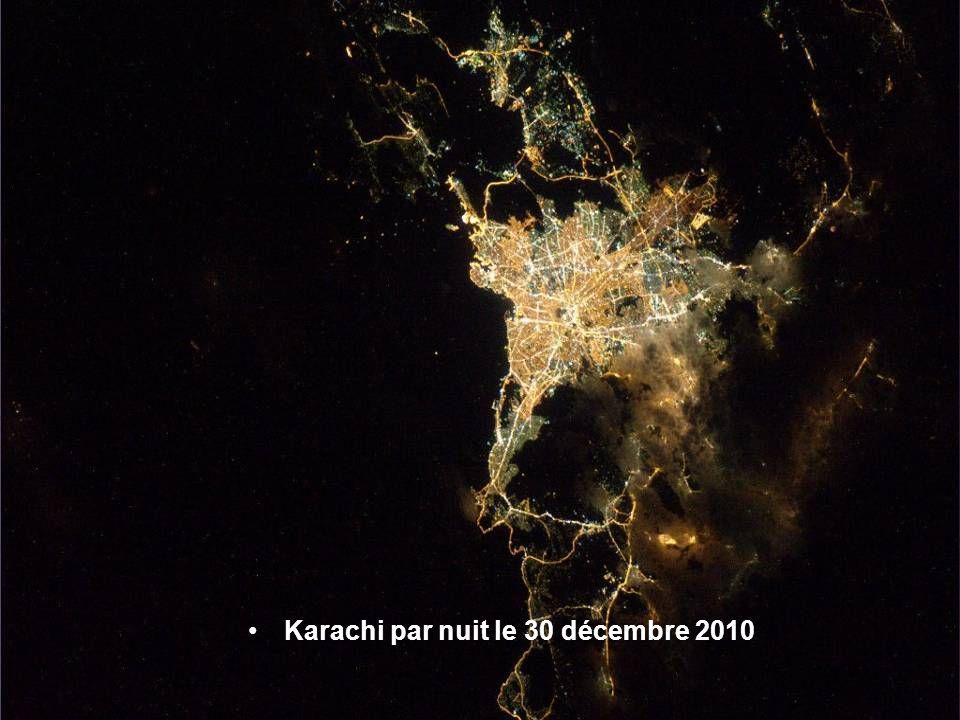 Athènes la nuit le 30 décembre 2010