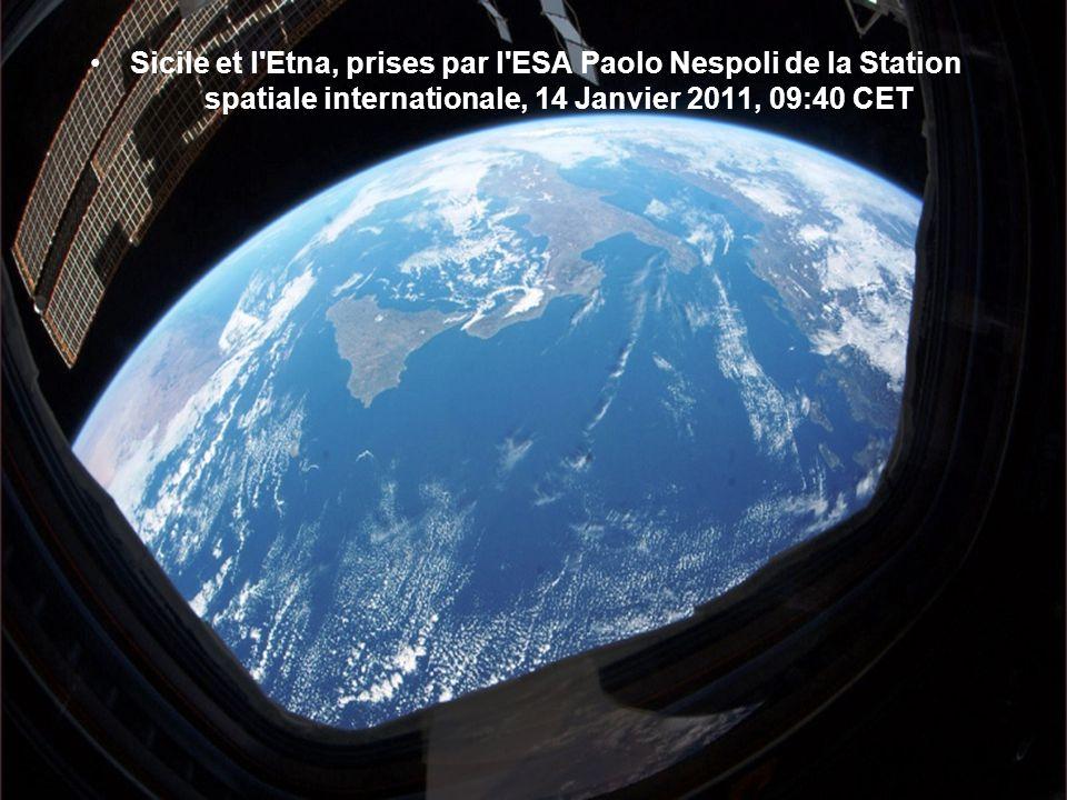 Manille par nuit: Italien de l'ESA Paolo Nespoli pris cette photo le 1er Janvier 2011 à partir de la Station spatiale internationale,