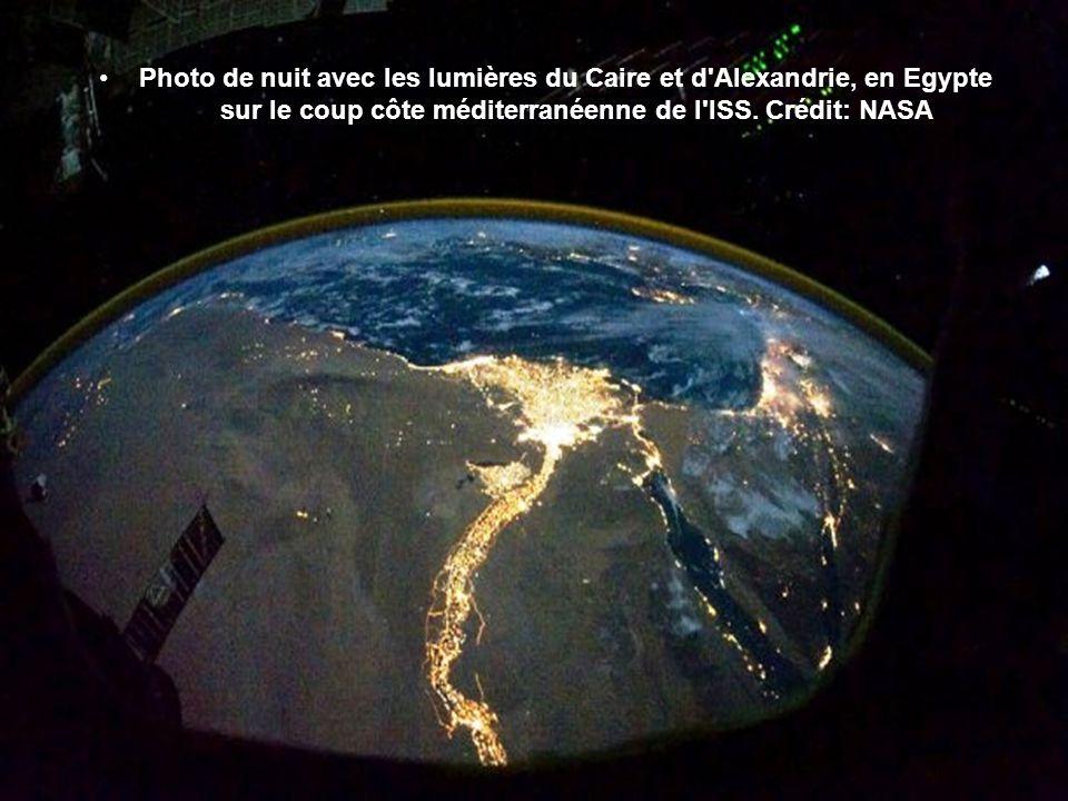 Le Nil et l'Egypte de jour Plus le désert du Sahara approche anciennes terres et des milliers d'années d'histoire. Le Nil coule à travers l'Egypte dep