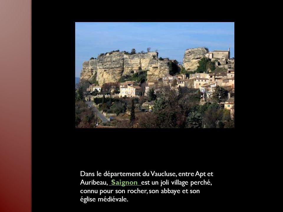 Posée sur l'étang de Berre, Martigues est surnommée la