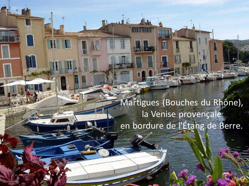 Martigues (Bouches du Rhône), la Venise provençale en bordure de l Étang de Berre.