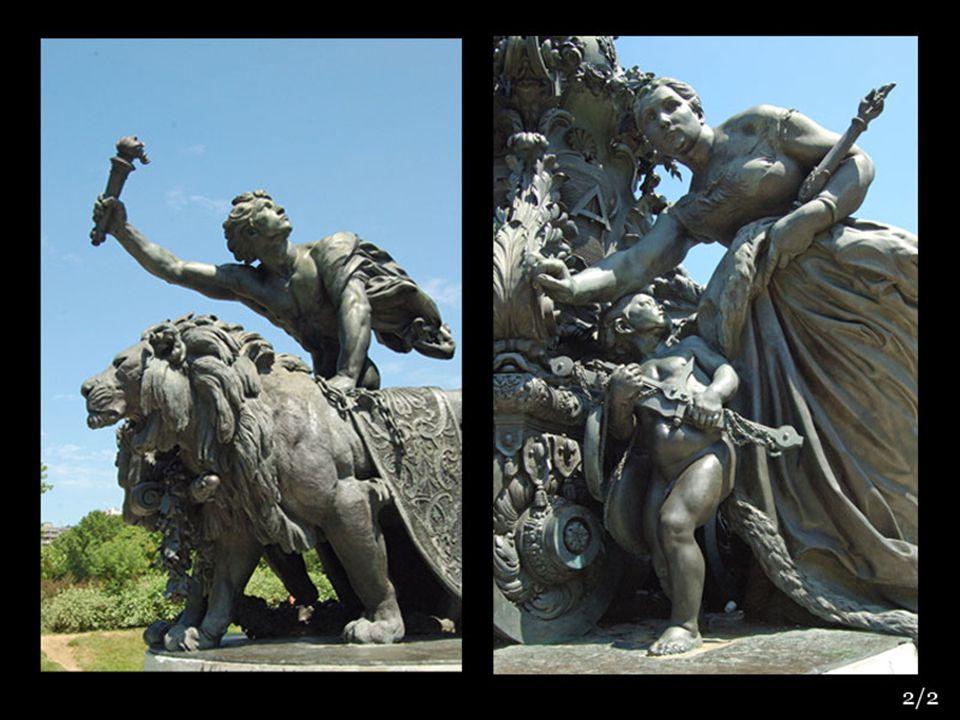 La fontaine de Dalou 1899 « Triomphe de la République » place de la Nation
