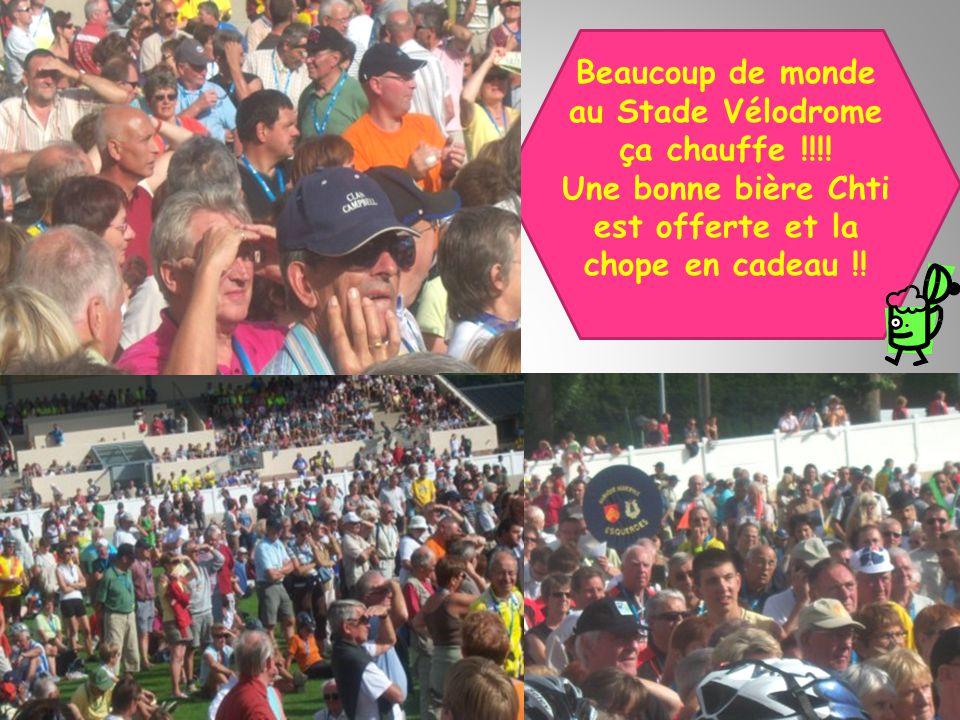 Beaucoup de monde au Stade Vélodrome ça chauffe !!!! Une bonne bière Chti est offerte et la chope en cadeau !!