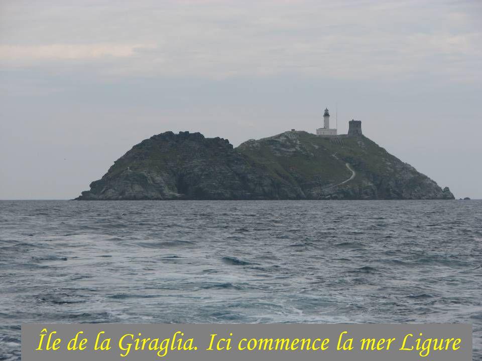 Cap Corse: tour fendue par lescadre de Nelson