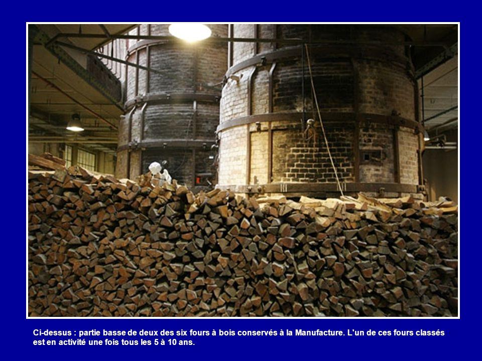 Dans la partie haute de la Manufacture, on aperçoit le dessus des fours à bois du XIXe siècle. En briques et de forme ronde, ils sont hauts d'une diza