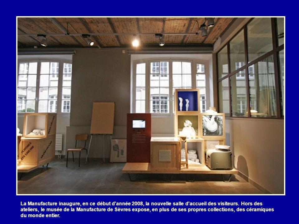 L'art contemporain représente les deux tiers de la production de l'établissement. Un atelier est consacré aux artistes non loin du moulin.