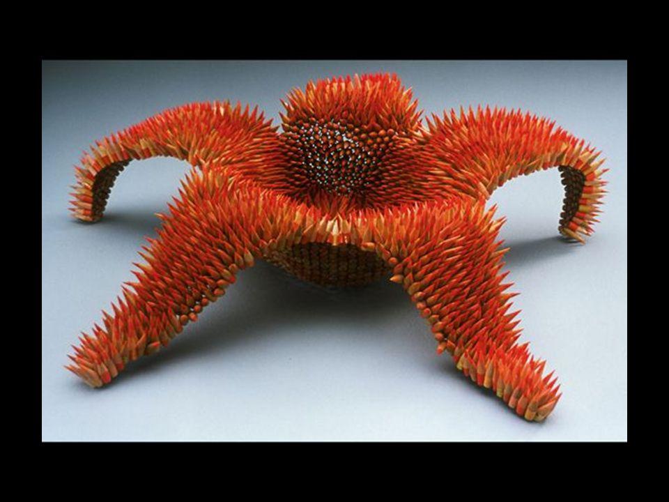 Jennifer Maestre artiste en sculptures Il faut à peu près deux mois à lartiste Jennifer pour réaliser chacune de ses sculptures. Chaque crayon de bois