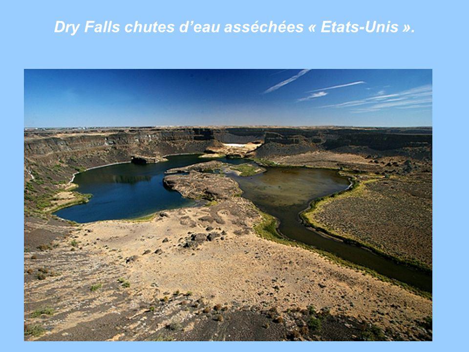 Dry Falls chutes deau asséchées « Etats-Unis ».
