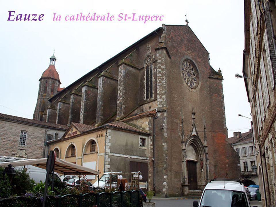 Sainte-Mère le château construit vers 1277