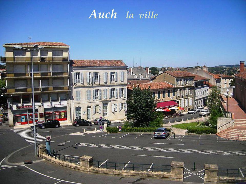 Tour Armagnac, XIVe siècle – Auch - La préfecture