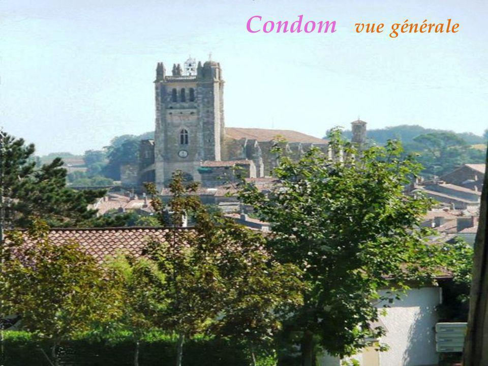Condom Le rouet Galet a roulement Moulin a vent De M oussaron Girouette