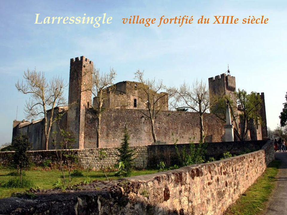 Larressingle le village
