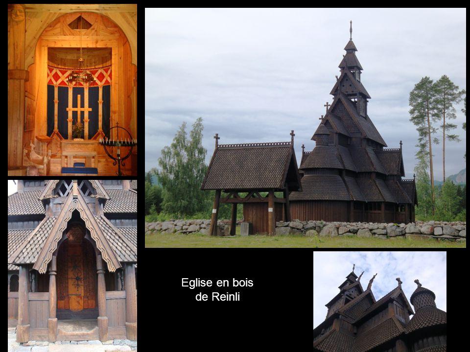 Eglise en bois de Reinli