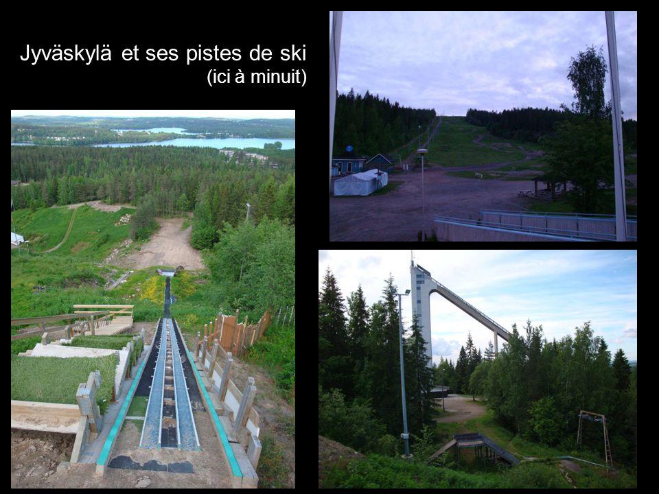 Jyväskylä et ses pistes de ski (ici à minuit)