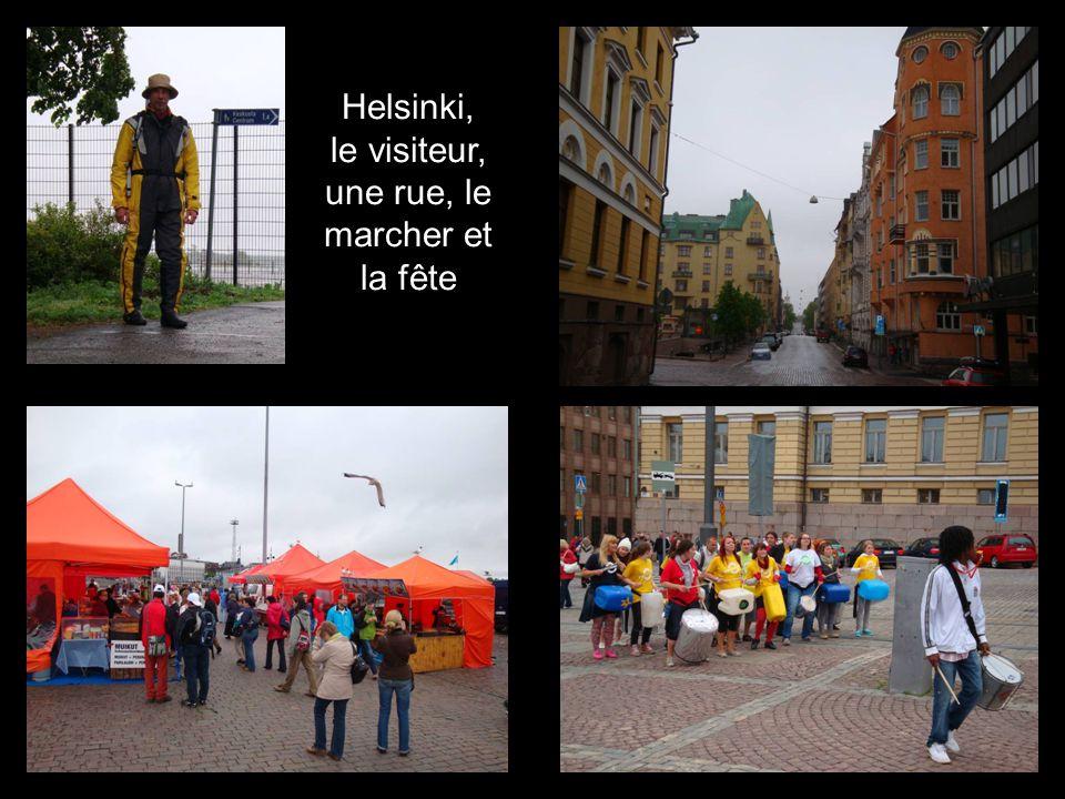 Helsinki, le visiteur, une rue, le marcher et la fête