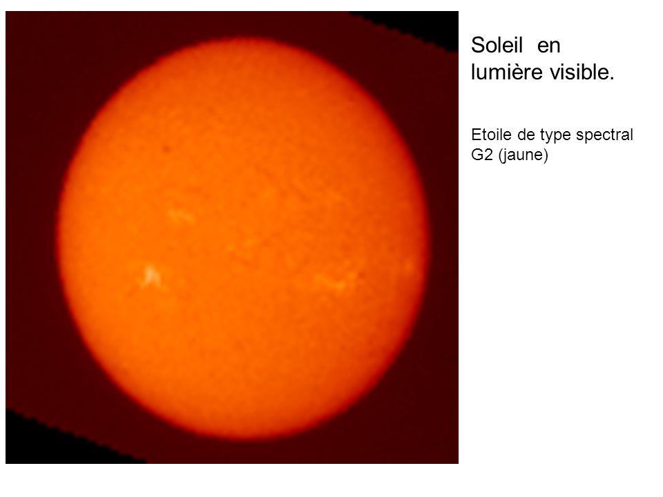 Soleil en lumière visible. Etoile de type spectral G2 (jaune)