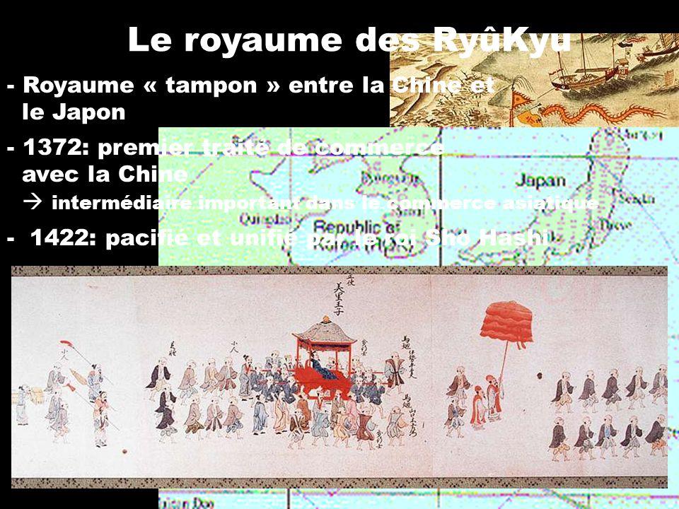 Okinawa-te -méthode de combat indigène qui se développe sans doute à partir du IIIe siècle -grandement influencée par les arts martiaux chinois (kenpou) -le roi Sho Hashi interdit le port des armes à tous sauf aux nobles essor du te après 1500
