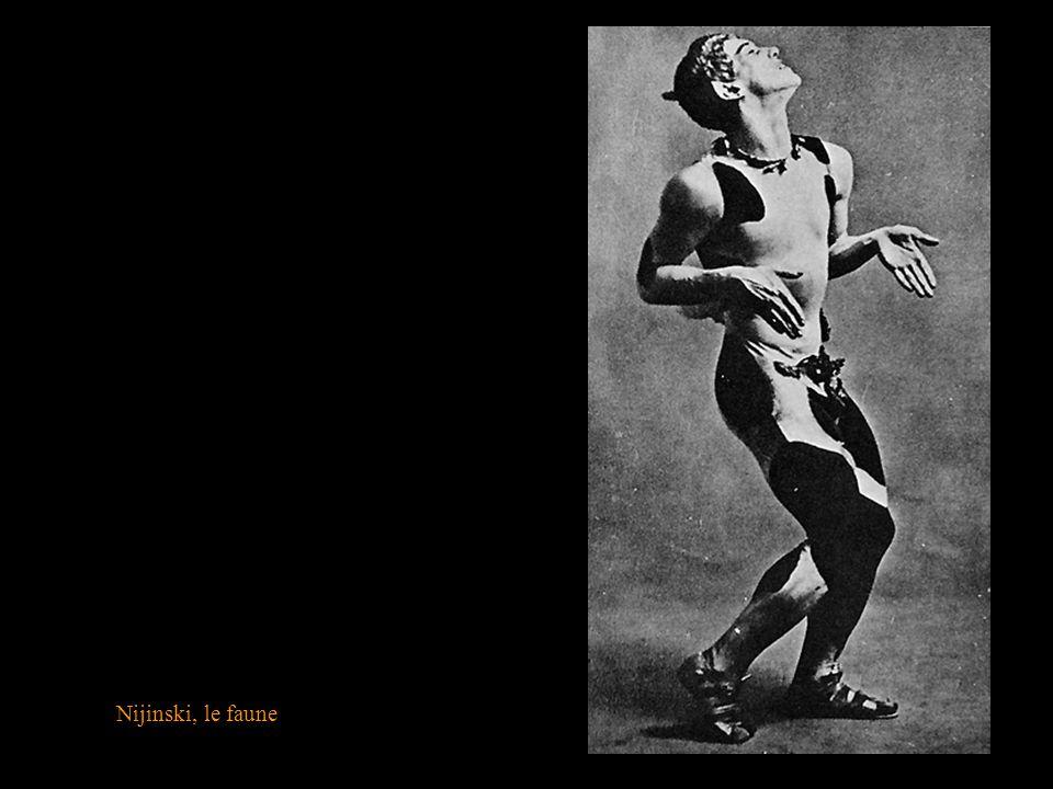 MALEVITCH, Kasimir (1878-1935) Décors et costumes pour lopéra : La victoire sur le soleil 1913