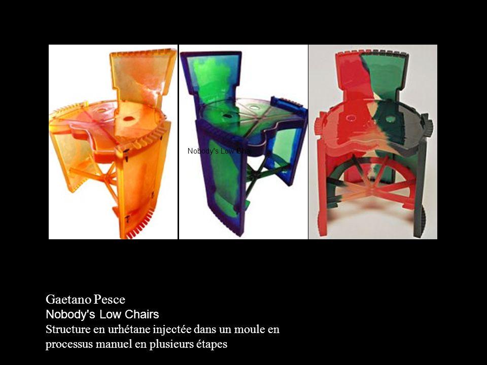 Nobody's Low Chairs Structure en urhétane injectée dans un moule en processus manuel en plusieurs étapes Nobody's Low Chai