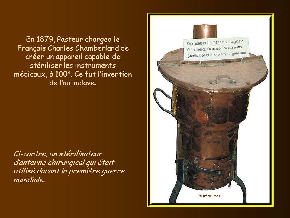 En 1879, lAméricain James Ritty, las des sommes détournées dans son saloon par ses employés, conçut une caisse enregistreuse qui mettait fin à ces mal