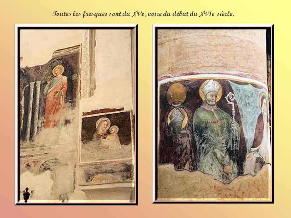 Ci-dessus le tombeau Bevilacqua-Pellegrini dont la lunette est décorée de fresques de Martino de Vérone (fin XIVe- début XVe).