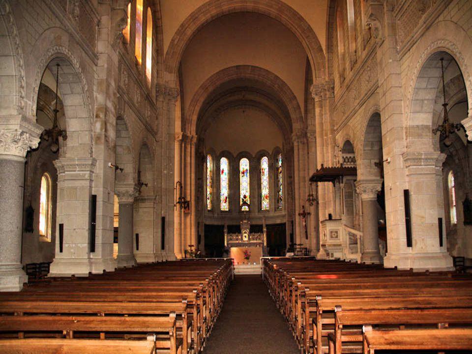 Léglise Saint-Pierre du Grand-Luc fut édifiée entre 1898 et 1908.