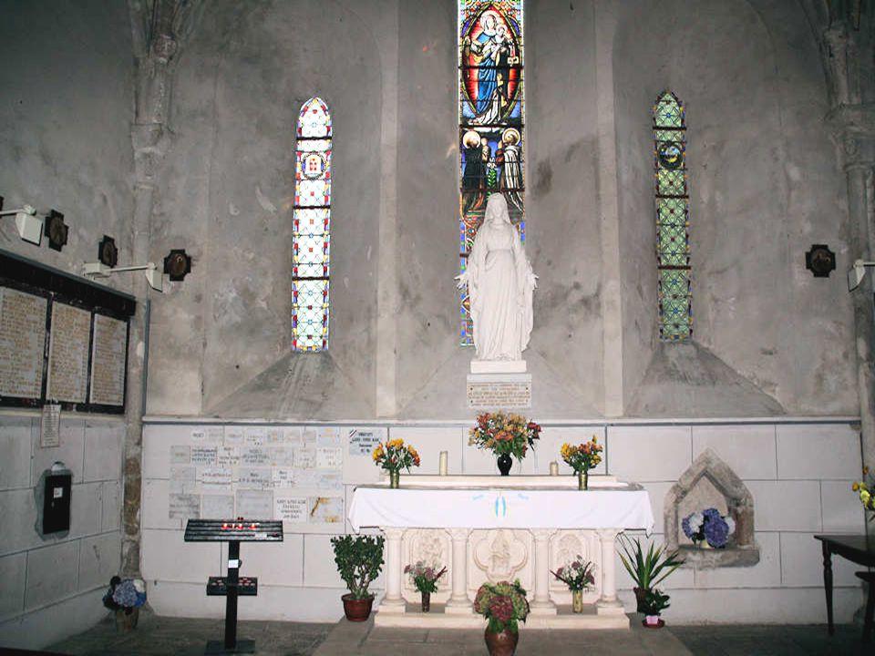 La chapelle Notre-Dame du Petit-Luc a été construite en 1867 sur le site de l ancienne église paroissiale détruite par les Colonnes Infernales en Février 1794.