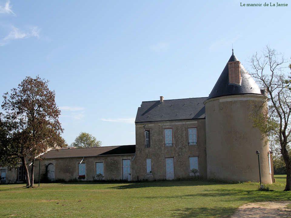 Du château-fort érigé au Moyen Age, il ne reste que quelques vestiges.