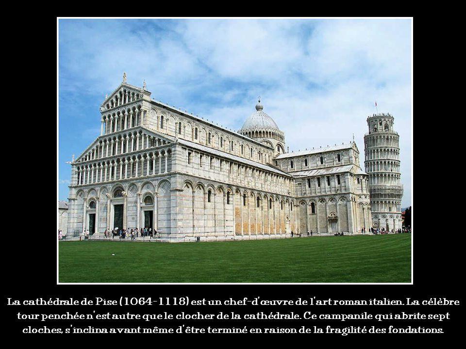 Cest la plus grande cathédrale romane du monde. Sa longueur totale atteint 135m. Une crypte a été creusée. Toute de grès rouge, la cathédrale fut pend