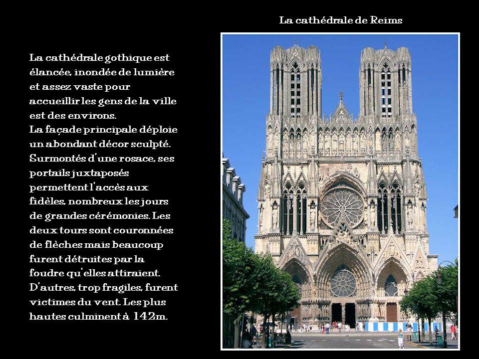 Clé de voûte Ogive brisée Triforium Basilique Saint-Denis