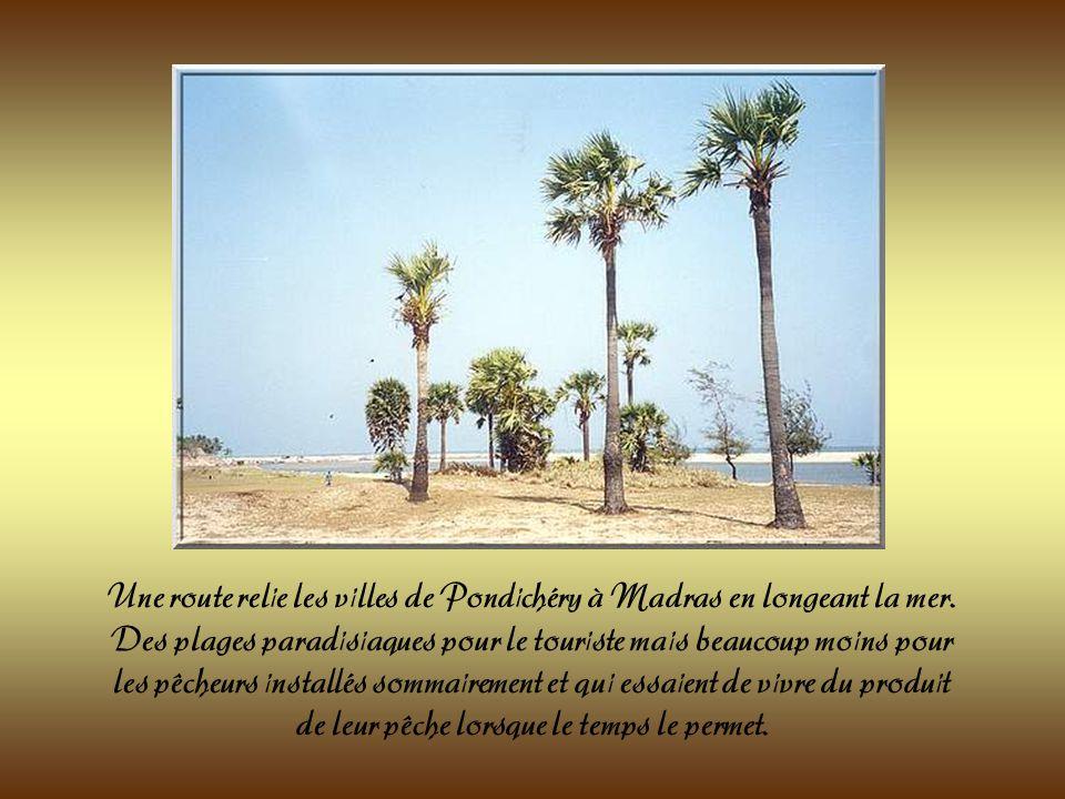 Le temple du rivage situé au bord de la mer. Il est le seul restant dun ensemble de sept temples construit à la fin du 8 ème siècle et sétendant sur d