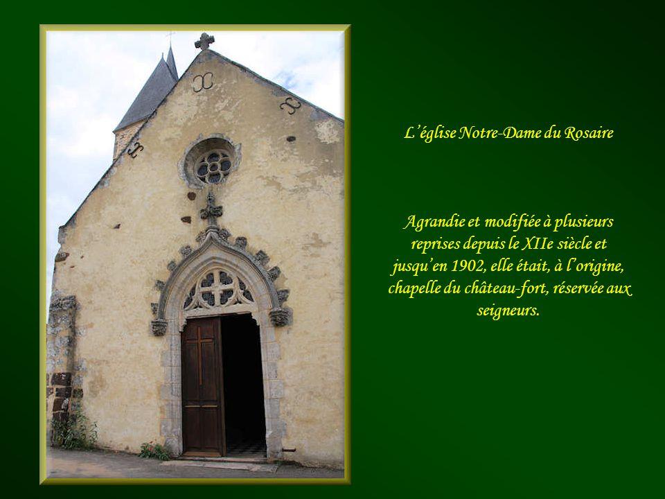 Ici naquit Guillaume Mauger, en 1280, qui devint évêque du diocèse de Sées et il en fit sa résidence dété. De la bâtisse initiale, gravement endommagé