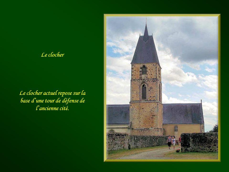 Léglise Notre-Dame du Rosaire Agrandie et modifiée à plusieurs reprises depuis le XIIe siècle et jusquen 1902, elle était, à lorigine, chapelle du châ
