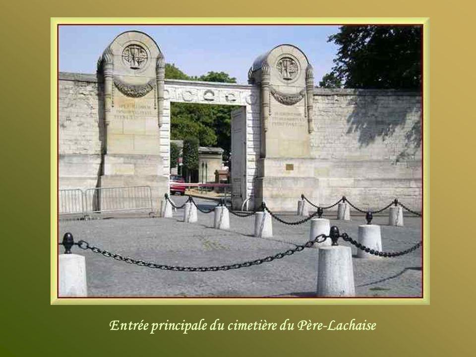 Le cimetière du Père-Lachaise est le plus grand cimetière de Paris intra-muros et lun des plus célèbres dans le monde. Il est situé dans le XXème arro