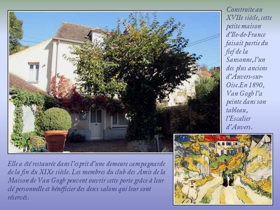 Une allée jouxte lauberge Ravoux et, sur le mur, sont relatés les différents épisodes de la vie de Vincent Van Gogh.