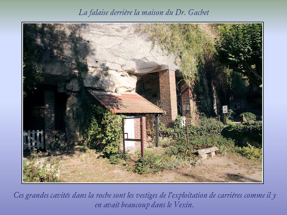 Cette maison a été acquise en avril 1872 par Paul Gachet, médecin, collectionneur d art et ami des peintres dont Vincent van Gogh qu il reçoit et soigne en 1890.