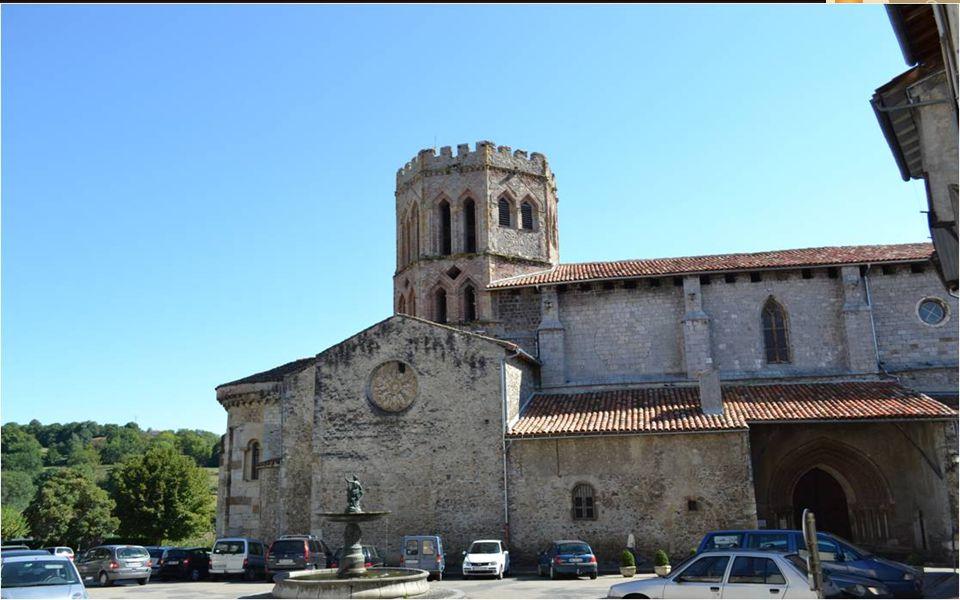 Du palais des évêques, vue sur la chaine Pyrénéenne